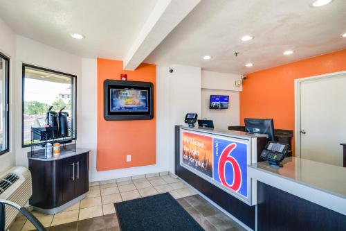 Motel 6 Chicago O'Hare - Schiller Park Photo