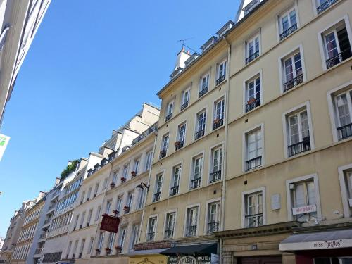 Apartment Rue de Penthievre Paris photo 8