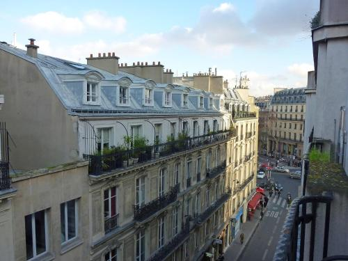 Apartment Boulevard de la Madeleine Paris photo 3