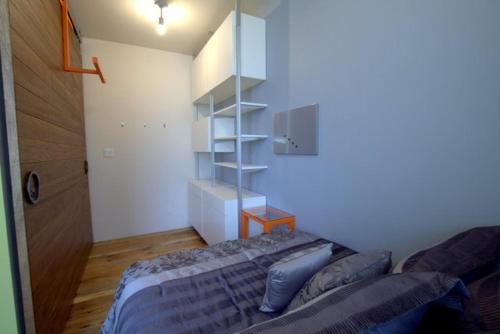 Escape to Modern House - 3 Bedroom Apartment Photo