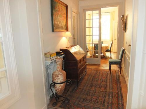 Apartment Chazelles Paris photo 8