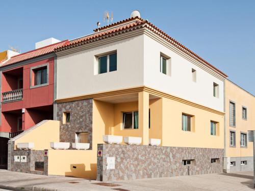 Hotel Holiday Home Maxorata