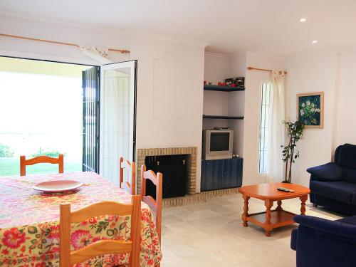 Apartamentos Holiday Home Brisamar Chiclana thumb-3