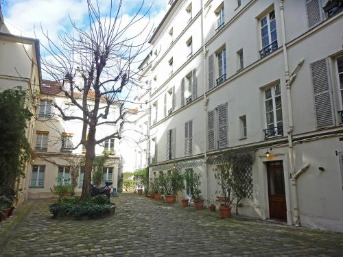 Apartment Rue Jarente Paris photo 9