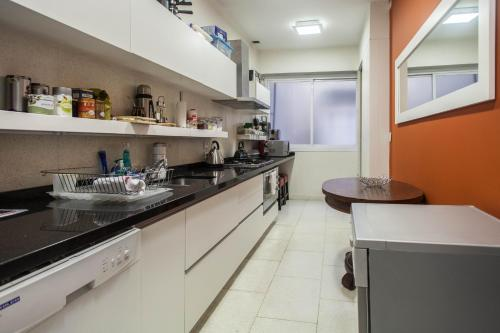 3 BDR Apartment Juncal 867 Photo