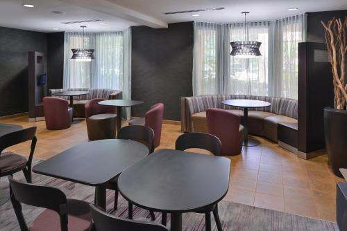 Courtyard by Marriott Northeast/I-77 Photo