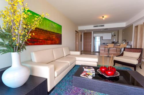 Naos Luxury Rent Photo