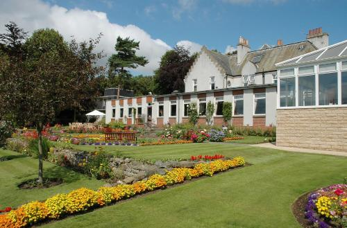 Pitbauchlie House Hotel, green hotel in Dunfermline, United Kingdom