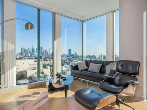 MID-WILSHIRE 2BD&2BA Luxe Highrise Photo