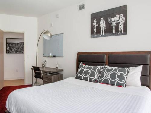 KOREATOWN 2BD&2BA Corner Suite Photo