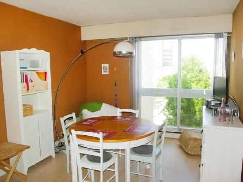 Apartment Pl Jeanne d'Arc Paris photo 5