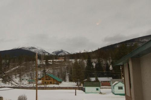 Valemount Hotel Photo