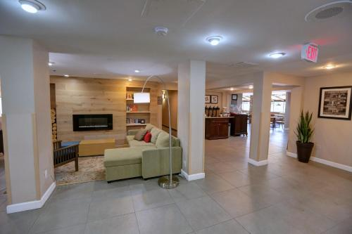 Country Inn and Suites by Carlson Charlotte Airport Photo
