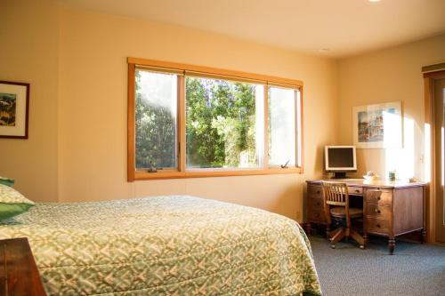 Tree House - Family Retreat with Views! - Point Reyes Station, CA 94937