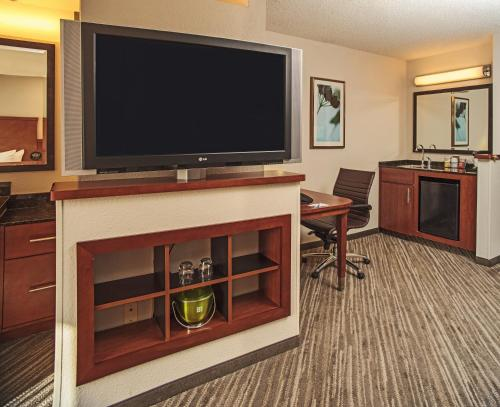 Hyatt Place Cincinnati/Blue Ash Photo