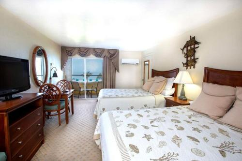 Tween Waters Inn Island Resort Photo