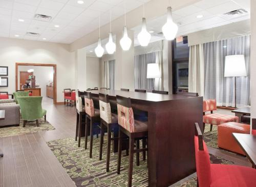 Hampton Inn & Suites Parker Photo