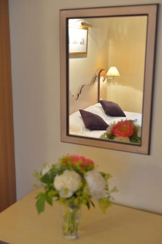 Hotel Suites Unic Renoir Saint-Germain photo 21