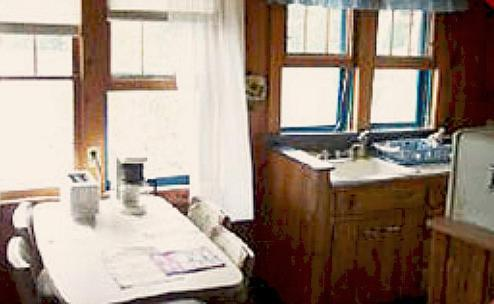 Hide-A-Way Waterfront Cottages Photo