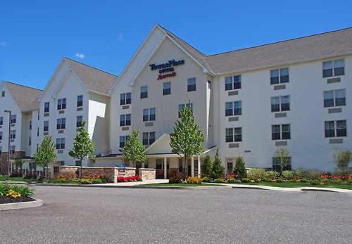 TownePlace Suites Republic Airport Long Island Farmingdale Photo