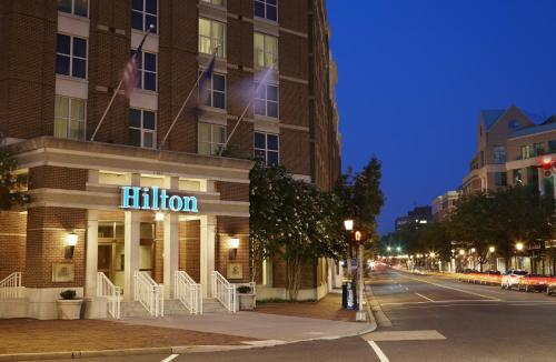 Hilton Alexandria Old Town Photo