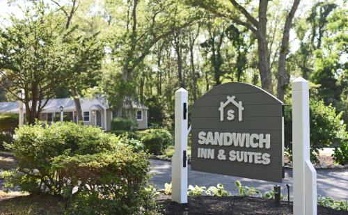 Sandwich Inn and Suites Photo