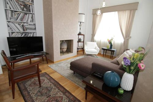 Spacious Apartment & 2 Bedroom Photo