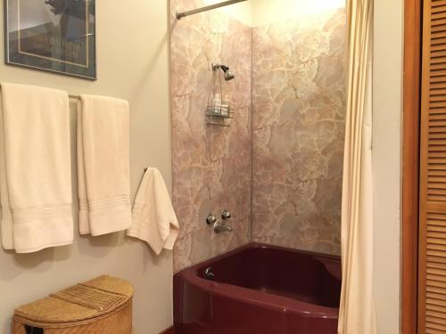 A Suite At The Fountain - Port Townsend, WA 98368