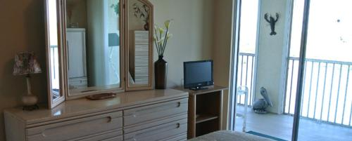 Hickory Unit 602 25901 Apartment Photo