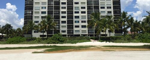 Estero 7500 Apartment Photo