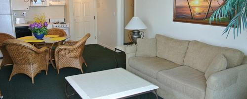Estero 8771 Apartment Photo