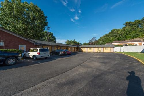 Budget Inn - Paintsville Photo