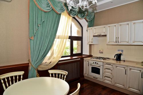 Hotel Apartments on Leninskiy prospekt 37A