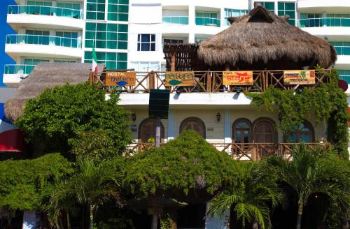 Hostel Cancun Natura Photo