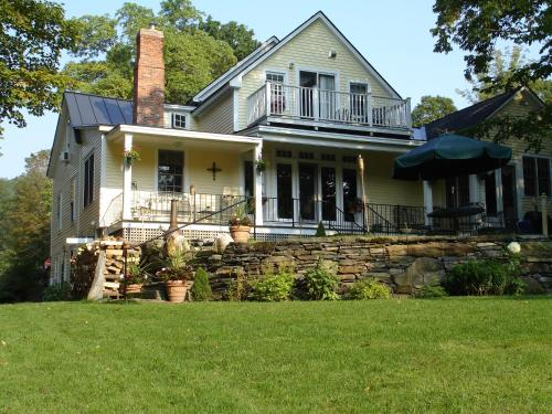 Green River Bridge House - Bed And Breakfast - Adults Only