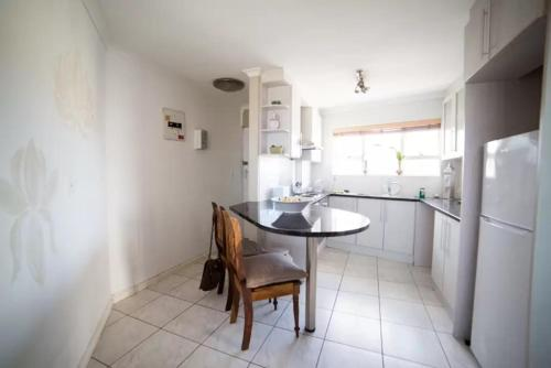 Birkenhead Apartment Photo
