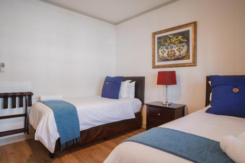 Cape Town City Accommodation - The Quadrant Photo
