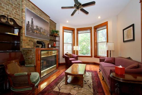 Three-Bedroom Near Lake Michigan 1