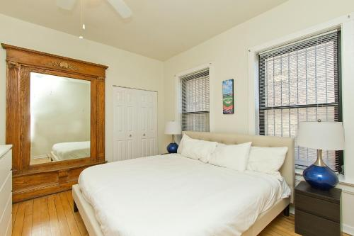 Four-Bedroom Near Wrigley Field 1E Photo