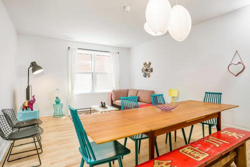 Four-Bedroom on Rue Saint-Urbain Apt 2 Photo
