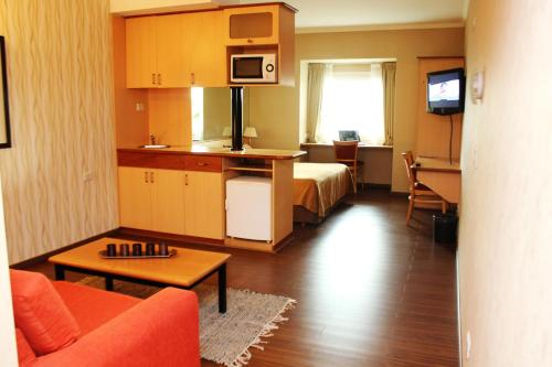 Hotel Aeroparque Inn & Suites Photo