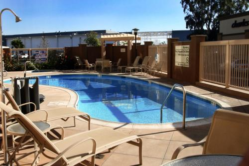 Hampton Inn & Suites Seal Beach Photo