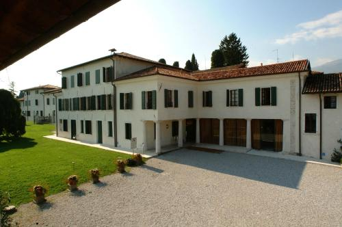 Hotel Villa Policreti