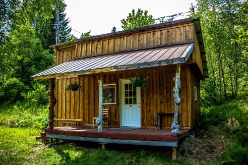 Midnight Sun Log Cabins Photo