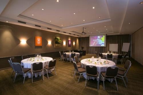 Mercure Sydney Parramatta photo 11
