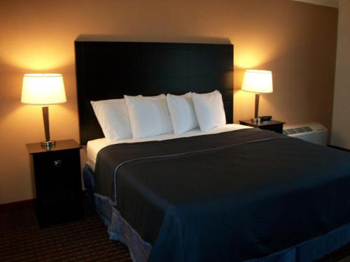 Americas Best Value Inn Romulus/Detroit Airport Photo
