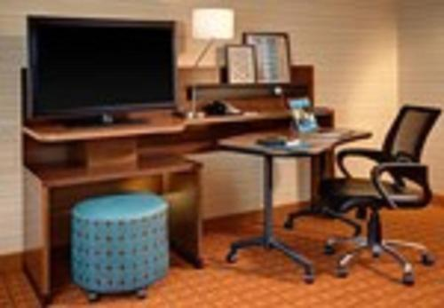 Fairfield Inn & Suites by Marriott Charlotte Airport Photo