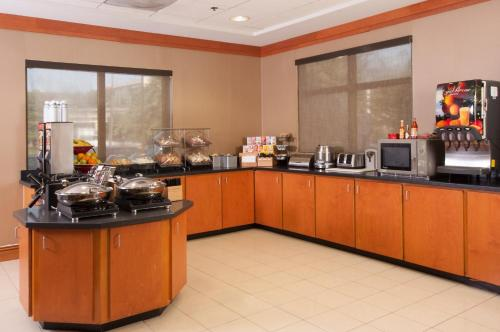 Fairfield Inn and Suites Atlanta Airport South/Sullivan Road Photo