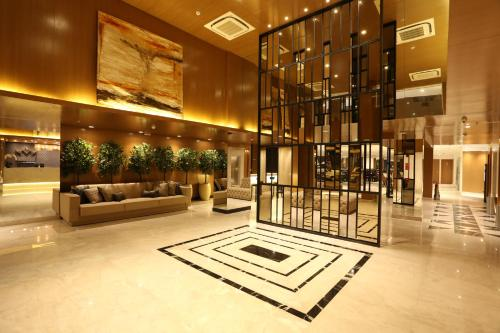 Royal Regency Palace Hotel Photo