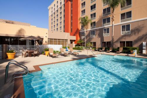 Courtyard by Marriott Baldwin Park Photo